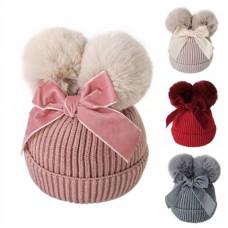 Warm pom pom hat