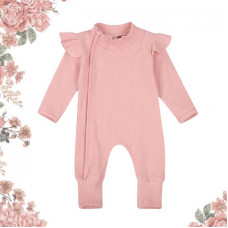 Soft romper with flounces on the shoulders