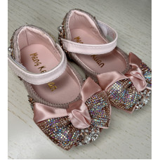 Sandals with bows and rhinestones